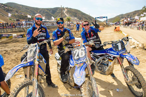 Star Racing Yamaha mechanics celebrate podium sweep at Glen Helen 2016